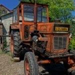 roter traktor oldtimer